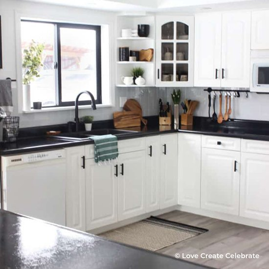 Tremendous 25 Dramatic Kitchen Makeovers Kitchen Cabinet Kings Download Free Architecture Designs Scobabritishbridgeorg